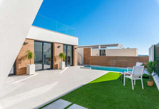 Chalet for sale in Benijófar, Alicante.