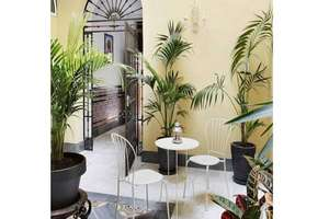 House for sale in Santa Cruz, Casco Antiguo, Sevilla.