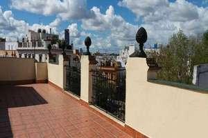 Penthouse for sale in Alameda, Casco Antiguo, Sevilla.