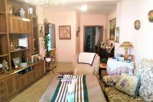 Flat for sale in Regina, Centro, Sevilla.