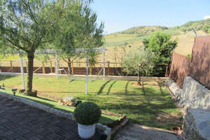 Chalet for sale in Urbanizacion la Alondra, Aljarafe, Sevilla.