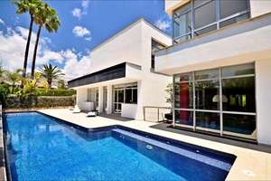 Chalet for sale in Urbanizacion Coblanca, Benidorm, Alicante.