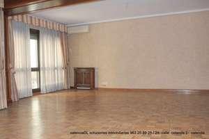 Flat for sale in El Pla del Remei, L´Eixample, Valencia.