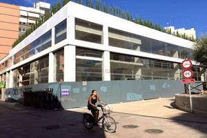 Commercial premise in El Pla del Remei, L´Eixample, Valencia.