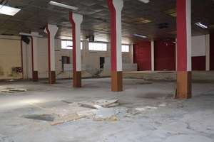 Commercial premise for sale in Benicalap, Valencia.