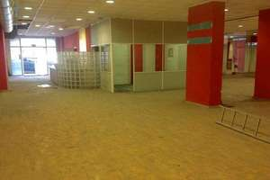 Commercial premise for sale in Nou Moles, L´Olivereta, Valencia.