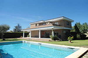Chalet Luxury for sale in Entrepinos, L´Eliana, Valencia.