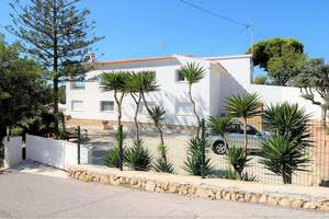 Chalet for sale in Alicante.