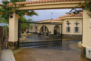 Chalet for sale in Matola, Elche/Elx, Alicante.