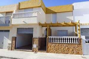 Casa a due piani vendita in El Alquian, Almería.