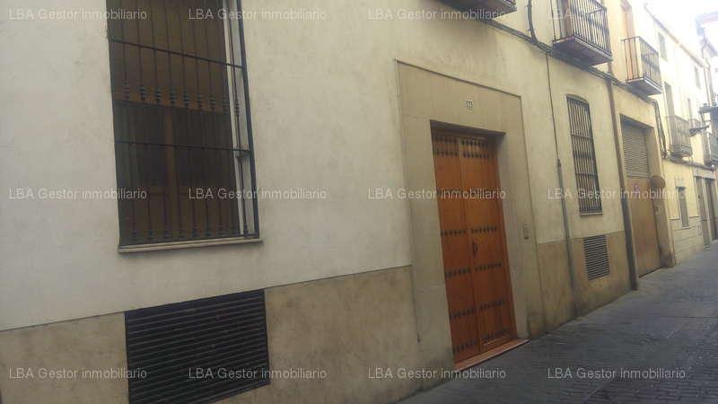 fotografía de vivienda en Calle Almendros aguilar