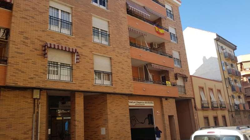 fotografía de vivienda en Calle Julio Burel