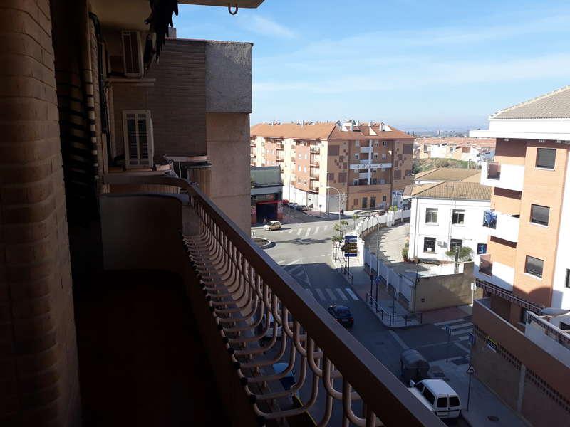 fotografía de vivienda en Calle Hernan cortes