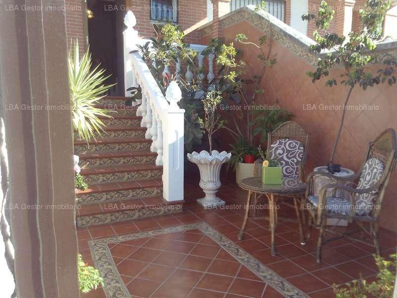 fotografía de vivienda en Calle Zona pisos verdes