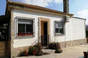 Chalet for sale in Llíria, Valencia.