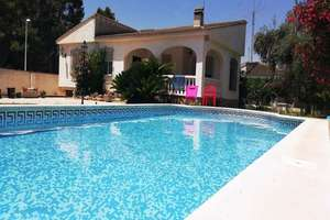 Dům na prodej v Entrepinos, L´Eliana, Valencia.