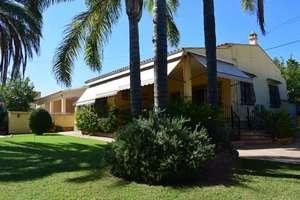 Dům na prodej v Riba-roja de Túria, Valencia.