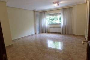 Flat for sale in Avenida Portugal, Salamanca.
