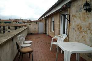 Penthouse for sale in Canalejas, Salamanca.
