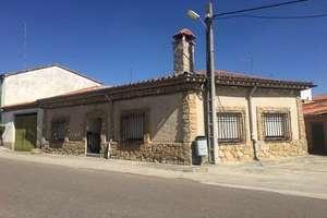 House for sale in San Cristóbal de la Cuesta, Salamanca.