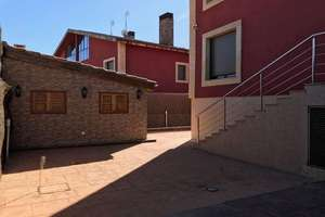 Semidetached house for sale in Cabrerizos, Salamanca.