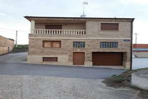 House for sale in Cañizal, Zamora.
