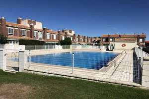 Cluster house for sale in Villares de la Reina, Salamanca.