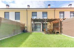Cluster house for sale in Doñinos de Salamanca.
