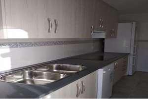 Flat for sale in Salas Bajas, Salamanca.