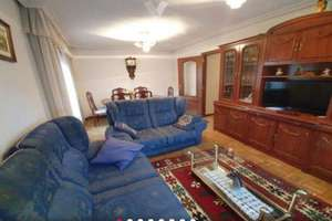 Flat for sale in Pizarrales, Salamanca.
