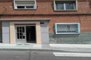 Flat for sale in Barrio Blanco, Salamanca.