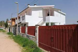 Chalet for sale in Calzada de Valdunciel, Salamanca.