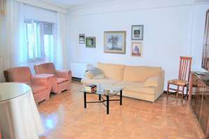Flat for sale in San Bernardo, Salamanca.