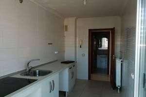 Flat for sale in Jesus Arambarri, Salamanca.
