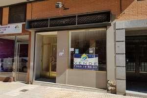 Commercial premise in Avenida Comuneros, Salamanca.