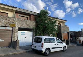 Cluster house for sale in Saelices el Chico, Salamanca.