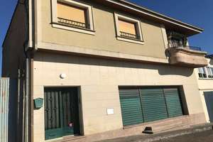 House for sale in Fuentes de Oñoro, Salamanca.