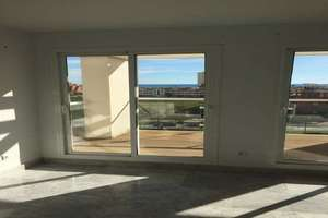 Flat for sale in Playamar, Torremolinos, Málaga.