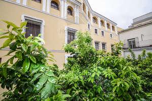 Flat for sale in Encarnación-Regina, Casco Antiguo, Sevilla.