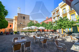 Apartment for sale in La Campana, Casco Antiguo, Sevilla.