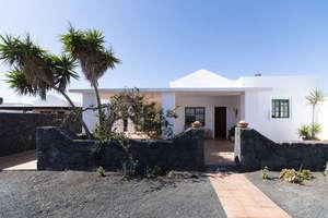 House for sale in El Islote, San Bartolomé, Lanzarote.