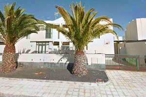 Semidetached house for sale in Costa Teguise, Lanzarote.