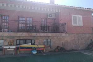 Chalet for sale in Pinto, Madrid.