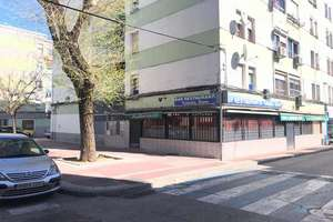 Commercial premise for sale in Centro, Parla, Madrid.
