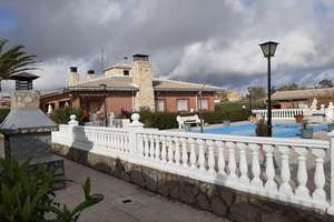 Chalet for sale in Ugena, Toledo.