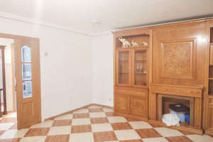 Flat for sale in Pradolongo, Usera, Madrid.