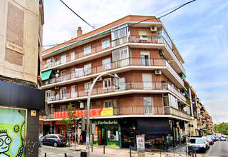 Flat for sale in Moscardó, Usera, Madrid.