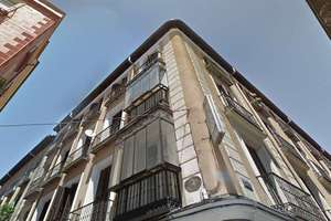Building for sale in Universidad, Centro, Madrid.