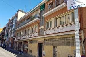 Building for sale in Pueblo Nuevo, Ciudad Lineal, Madrid.