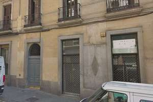 Commercial premise for sale in Embajadores, Centro, Madrid.